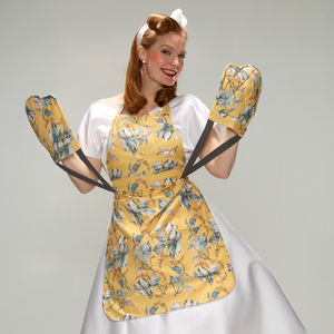 Meeha Floral Apron With Integrated Oven Gloves - whatsnew