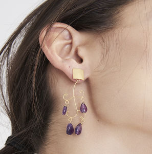 Lila Decorative Amethyst Gold Earrings