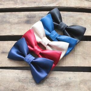 Simple Satin Bowtie