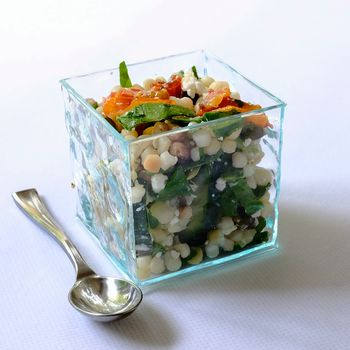 Glass Effect Mini Cube: Elegant Party Tableware