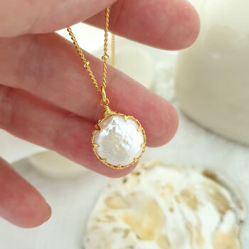 Dainty Coin Pearl Pendant Necklace