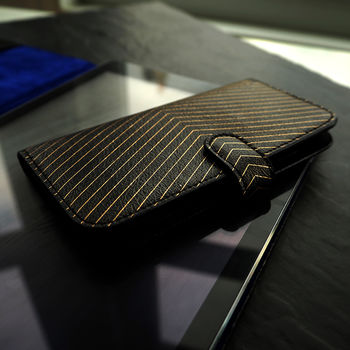 Leather iPhone Six / iPhone Seven Case: Black Pinstripe