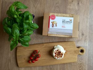 Make Your Own Goat's Cheese Making Kit - for cooking enthusiasts