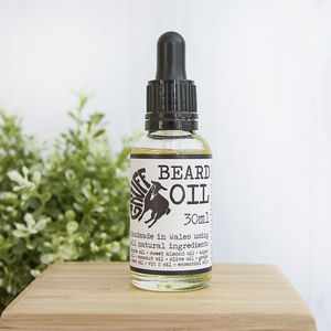 Sandalwood And Cardamom Conditioning Beard Oil - men's grooming & toiletries