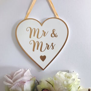 Mr And Mrs Hanging Heart Plaque Gold And White