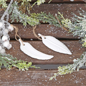 Cream Ceramic Feather Decoration