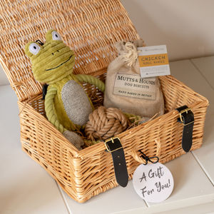 Mutts And Hounds Gift Hamper Toys And Treats - pet-lover