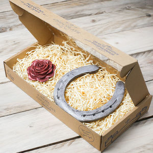Chocolate Horseshoe And Rose Gift Box