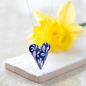 Royal Blue And White Floral Slim Heart Necklace