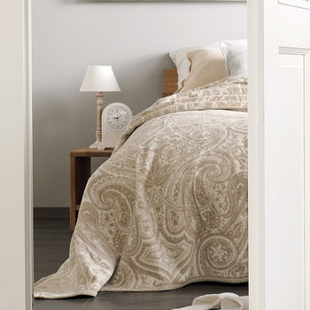 Large Paisley Beige And Cream Blanket