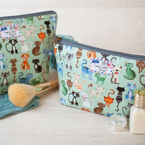 Cat Playing Cats Gift Makeup Toiletry Wash Bag