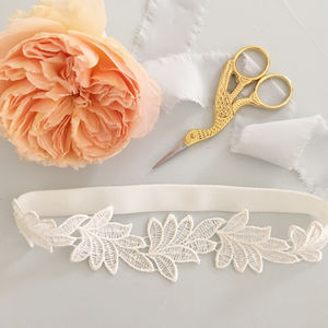 Sleek Lace Leaf Wedding Garter - natural artisan wedding trend