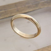 18ct Yellow Gold Knife Edge Ring - women's jewellery
