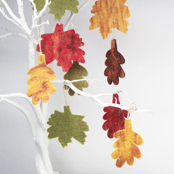 5x Autumnal Leaf Decorations