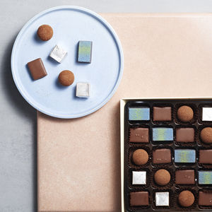 Artisan Chocolates Sea Salt And Caramel 25 Pieces - foodies
