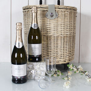 Wheelie Picnic Prosecco Hamper - new in garden