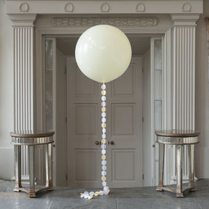 Bridal Giant Circle Tail Balloon