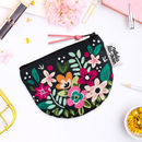 Coin Purse In Retro Floral Pattern