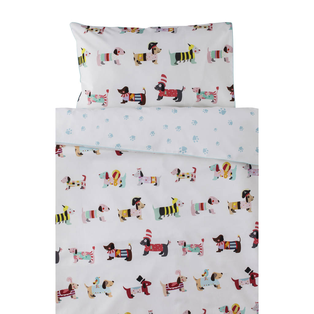 Dog Parade Print Childrenu0027s Bedding Set