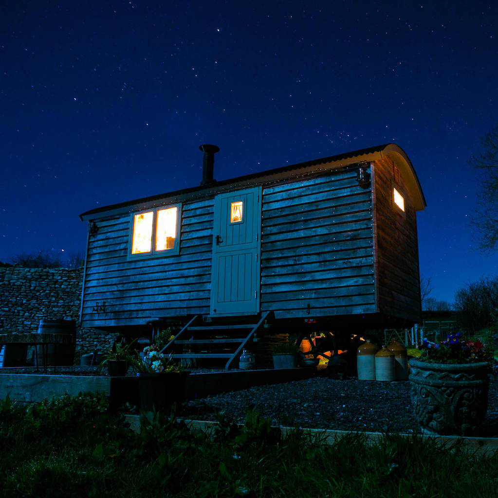 Shepherd S Hut: Shepherd's Hut Two Night Star Stay With Wood Fired Hot Tub