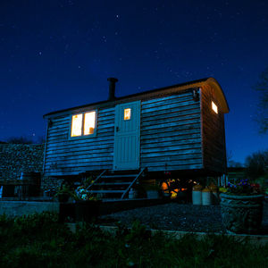 Shepherd's Hut Two Night Star Stay With Wood Fired Hot Tub - gifts for couples