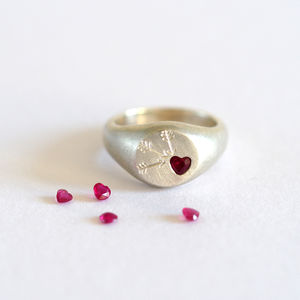 Ruby Heart Signet Ring - 40th anniversary: ruby