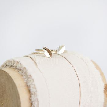 Folia Ring // Gold Stacking Ring
