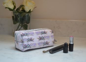 Make Up Bag 'The Pineapple Cliche'