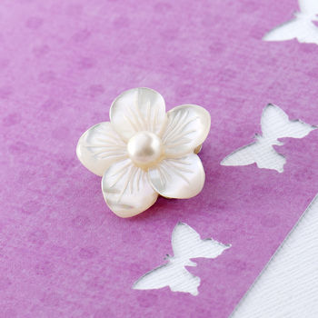 Mother Of Pearl Silver Flower Brooch With White Pearl