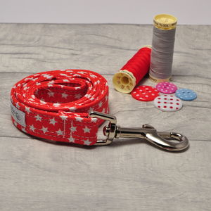 Red And White Star Dog Lead - new in pets