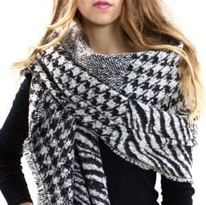 Elfie, Black To White Blanket Scarf