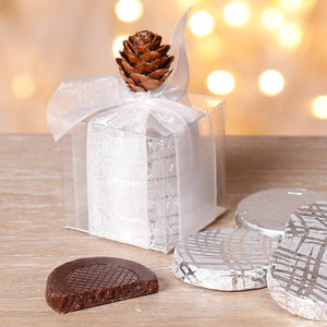 Mint Crisp White Christmas Table Favours
