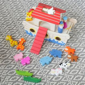 Wooden Noah's Ark Play Set - new in baby & child