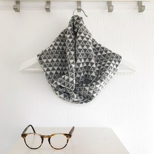 Ladies Knitted Snood With Geometric Triangles Pattern