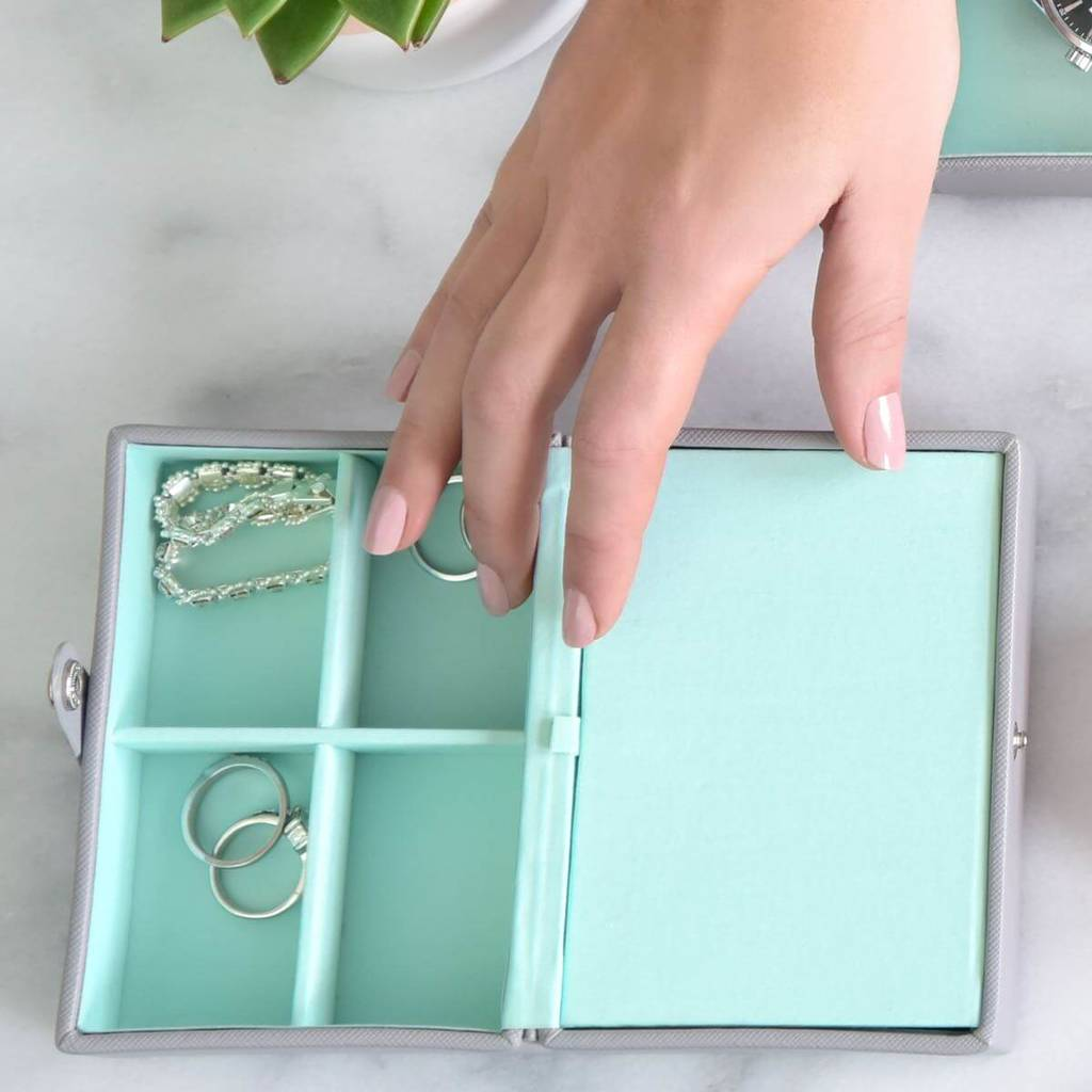Dove Grey With Mint Travel Box