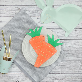 16x Carrot Shaped Party Napkins