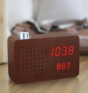 Leatherette Radio Click Clock - for gadget-lovers