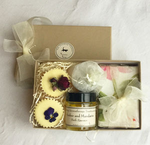 Mini Selection Box Of Pure And Natural Bathtime Treats