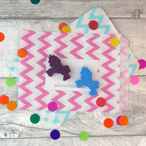 Unicorn Crayon Party Favour - gifts: under £25