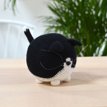 Black And White Cat Crochet Kit