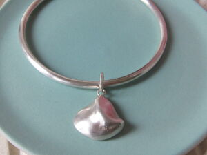 Infinity Sea Silver Shell Bangle
