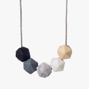 Pebble Cream Teething Necklace - nursing essentials