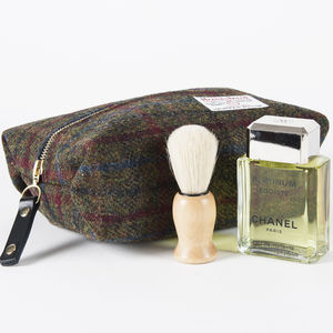 Men's Harris Tweed Toiletry Bag - gifts for travel-lovers