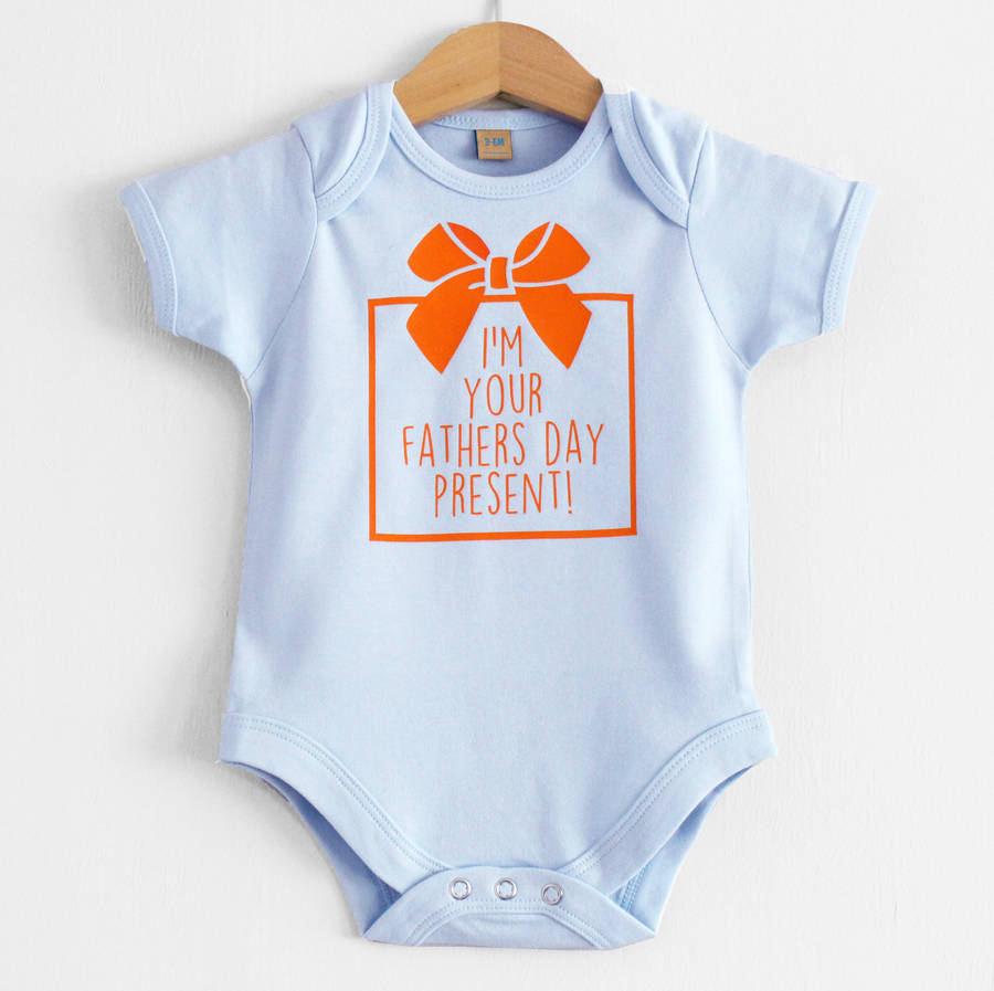 'I'm Your Fathers Day Present' Baby Grow. '