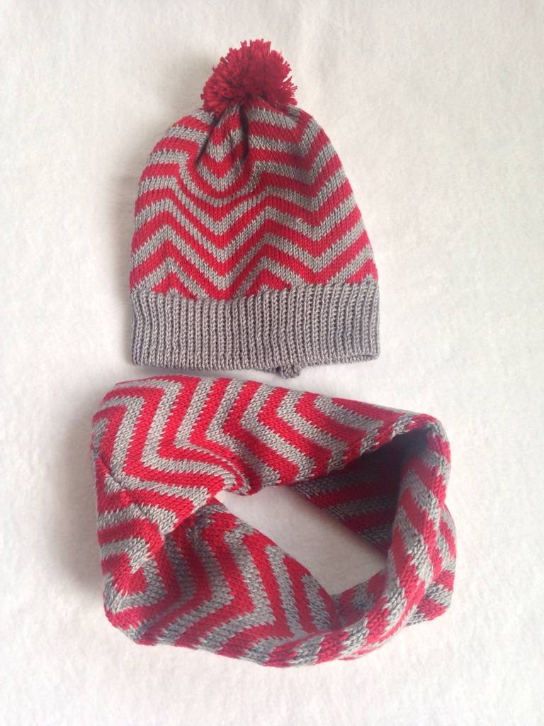 ... best price kids knitted chevron hat and snood gift set cb5b0 83eed d9084c7719d