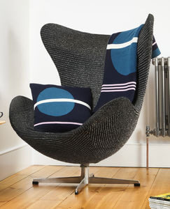 Como Navy Knitted Throw