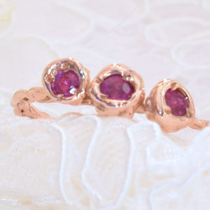Gold Ring Set With Three Pink Sapphires - precious gemstones