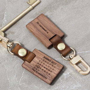 Personalised Never Forget Calendar Keyring - 5th anniversary: wood