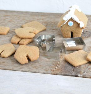 Mini Gingerbread House Cutter Mug Hanger