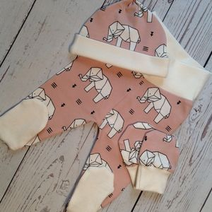 Elephant Print Newborn Gift Set - gift sets